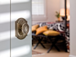 3 Ways to Choose Hardware for Interior Doors