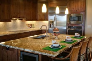 4 Lighting Fixtures for Your Kitchen Islands